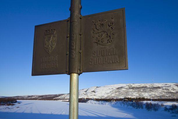 Suomen ja Norjan valtakunnanraja Saamen sillalla.  Kuvituskuva.