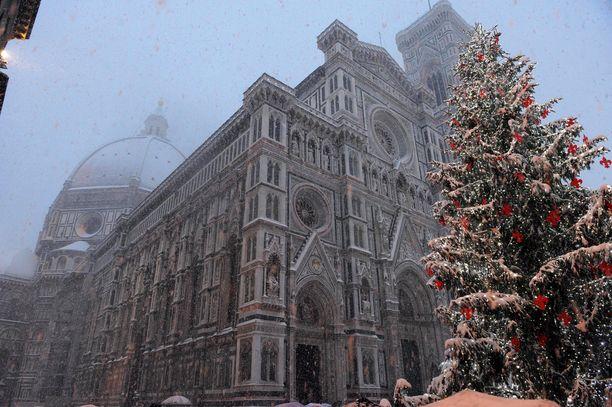 Firenzen kuuluisa Santa Maria del Fioren katedraali. (Kuvituskuva)