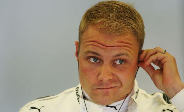 Valtteri Bottasta odottavat vaikeat lähtökohdat Silverstonen kisassa.