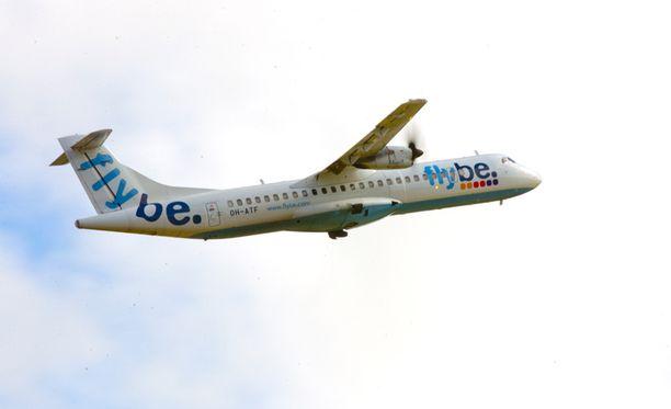 Uhkaavan tilanteen vuoksi Ryanairin pilotti nosti koneen takaisin yläilmoihin.