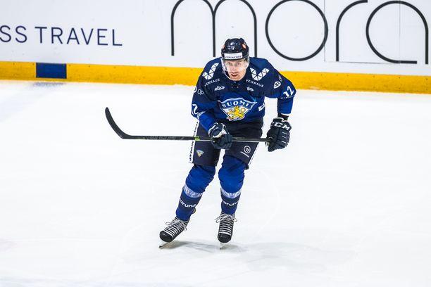 Leijonien kapteenina Venäjä-pelissä toiminut  Marko Anttila oli tyytyväinen Suomen  joukkueen esitykseen.