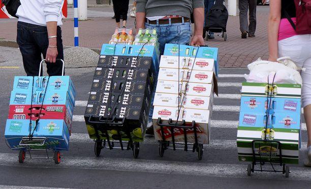 Tallinna perustelee kieltoa ennen muuta nuorten terveyden varjelulla.