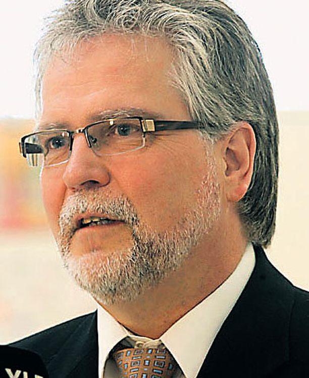 Martti Korhonen esitteli vasemmistoliiton vaalitavoitteet viikonvaihteen puoluevaltuustossa.