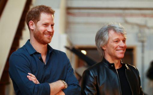 Prinssi Harry ja Jon Bon Jovi vierailivat legendaarisella studiolla – rokkari lausui diplomaattisen kommentin prinssin lauluäänestä