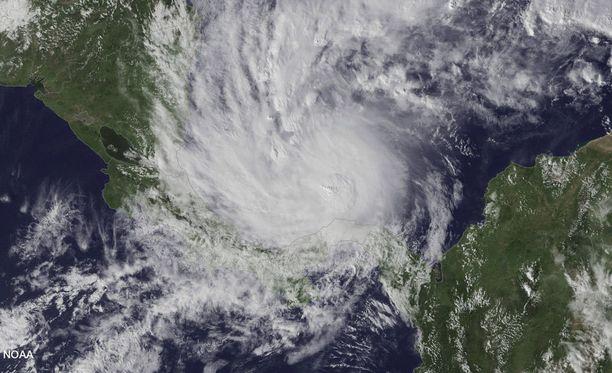 Otto-myrskyn odotetaan iskeytyvän Costa Rican ja Nicaraguan rannikolle torstaina.