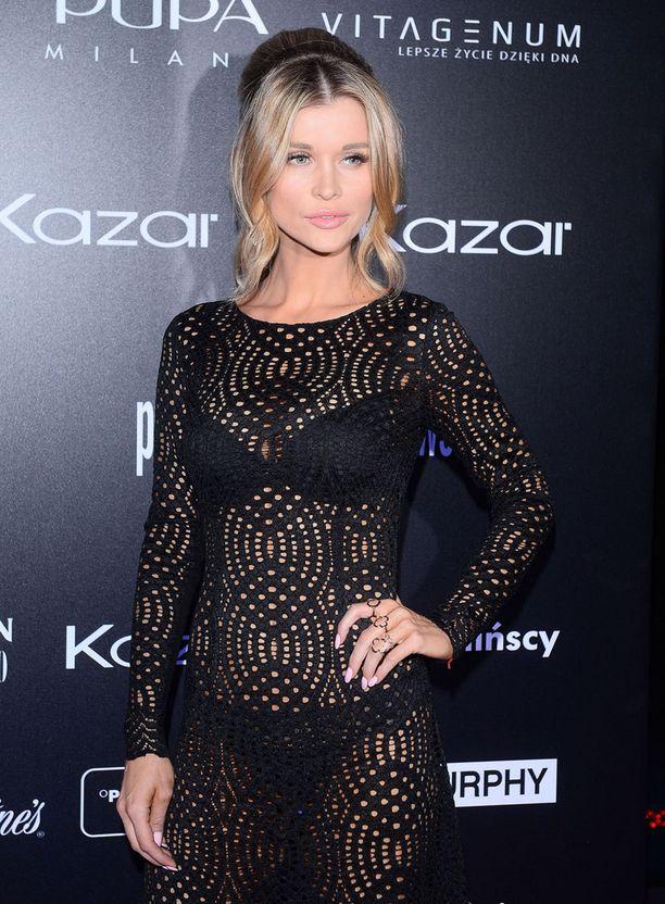 Joanna Krupa on tehnyt mittavan uran huippumallina. Hän poseerasi Playboy-lehdessä vuonna 2005.