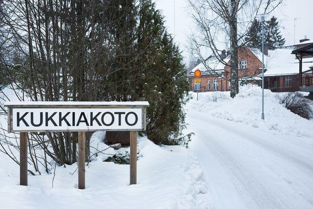 Kangasalan kaupungin vanhustenhuoltoyksikkö Kukkiakodossa asunut mies sai toukokuussa 2018 niskakipuihin kaksi kertaa kymmenkertaisen annoksen oksikodonilääkettä.