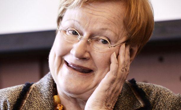 Presidentti Tarja Halonen uhrautui, jotta puoliso Pentti Arajärvi pääsi ajoissa lähtemään vaalihumuun.