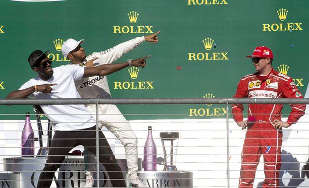 Kimi Räikkönen ei lähtenyt mukaan Usain Boltin ja Lewis Hamiltonin poseeraukseen.