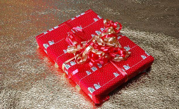 Vain 23 prosenttia suomalaisista jaksaa nähdä sen vaivan, että käy kaupassa vaihtamassa ei-toivottuja joululahjoja muihin tuotteisiin.