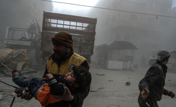 Turvallisuusneuvosto hyväksyi 30 päivän tulitauon sisällissodan repimään Syyriaan.