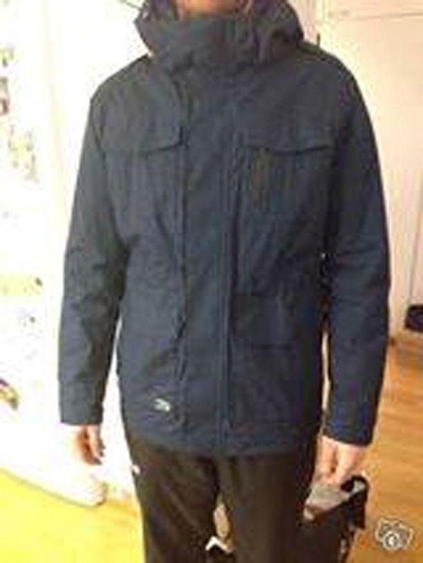 Simonilla oli yllään tämä takki katoamishetkellä.