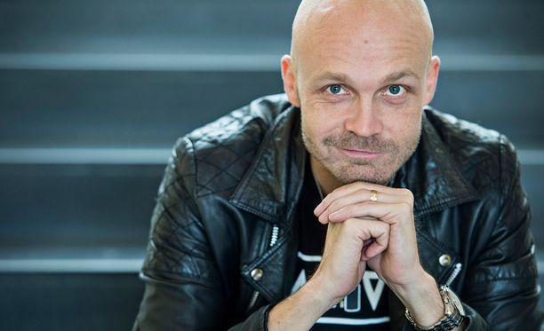 Juha Tapio aikoo ensi vuonna keikkailla rauhallisempaan tahtiin.