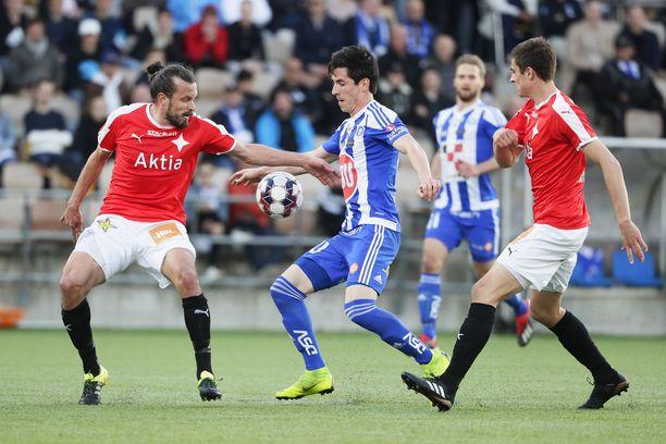 Veikkausliigan päivän ainoa ottelu on Stadin derby.