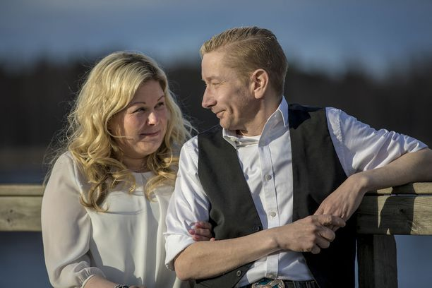 Tänään Simo Silmu ja Päivi Räisänen saavat toisensa. Päivistä tulee avioliiton myötä Silmu.