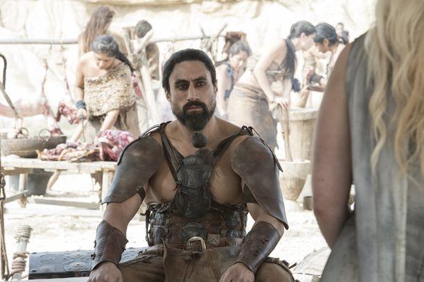 Khal Moron roolissa nähtiin Joe Naufahu.