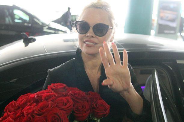 Pamela Andersonista on 90-luvun hullujen vuosien jälkeen kuoriutunut aktiivinen hyväntekeväisyysihminen.