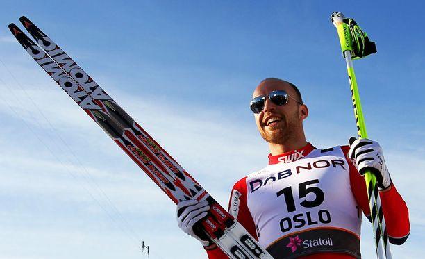 Norjalainen MM-kultamitalisti Tord Asle Gjerdalen säästyi hurjavauhtisesta kolarista säikähdyksellä.