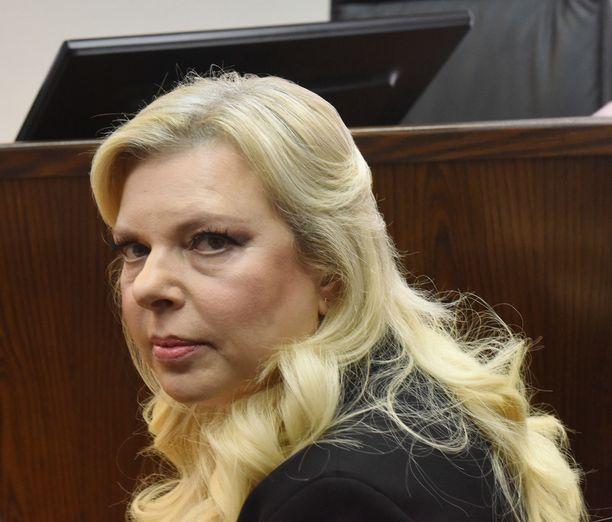 Sara Netanjahu kuuli tuomionsa sunnuntaina Jerusalemin oikeudessa.