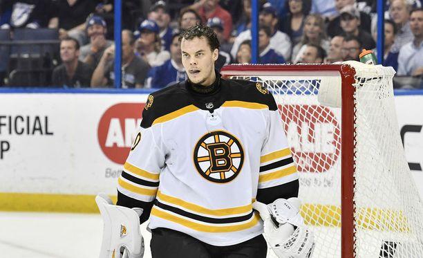Boston Bruinsin Tuukka Rask. Kuvassa Rask Amalie Arenassa Tampan Floridassa 30.4.2018.