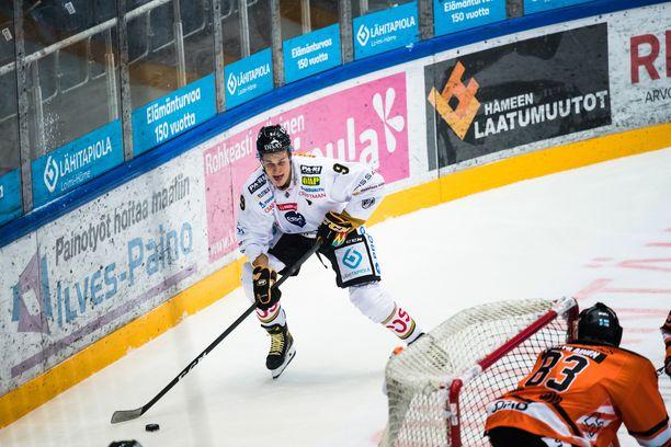 Jesse Puljujärven tykki puhui kolmannessa erässä ylivoimalla, ja se viimeistään ratkaisi pelin.