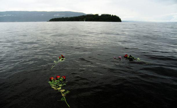 Utøyan saaren joukkomurhasta tulee tänään kuluneeksi neljä vuotta. Utøya näkyy kuvassa taustalla. Arkistokuva.