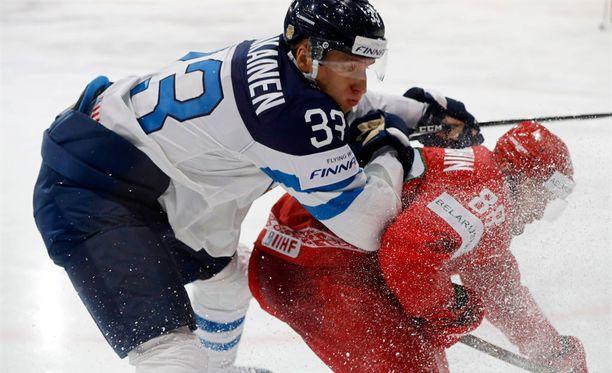 Markus Hännikäinen debytoi MM-tasolla Valko-Venäjää vastaan.