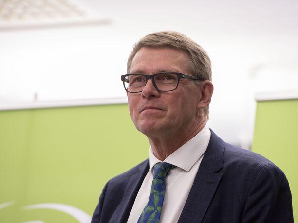 Valtiovarainministeriksi ryhtyneellä Vanhasella on aiempaa kokemusta pääministerin pestistä.