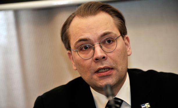 Jussi Niinistö kiittelee ostopäätöstä.