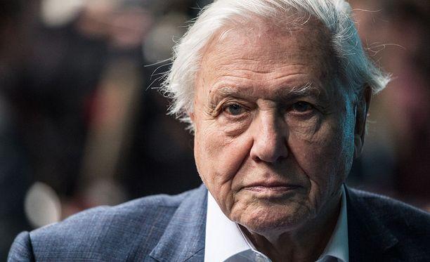 Legendaarinen luontodokumenttien tekijä Sir David Attenborough on huolissaan muovin määrästä merissä.
