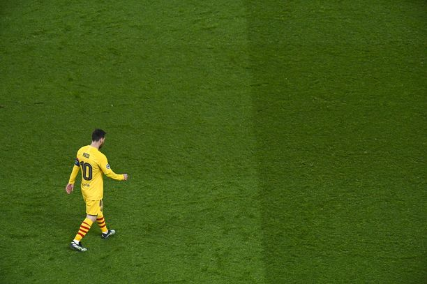 Leo Messin unelmamaali ei siivittänyt Barcelonaa onnistuneeseen kiriin PSG:tä vastaan.