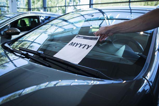 Hinta on tärkein valintaperuste uuden auton ostossa. Ylläpitokustannukset ovat seuraavaksi tärkein kriteeri ja kolmantena on auton merkki.