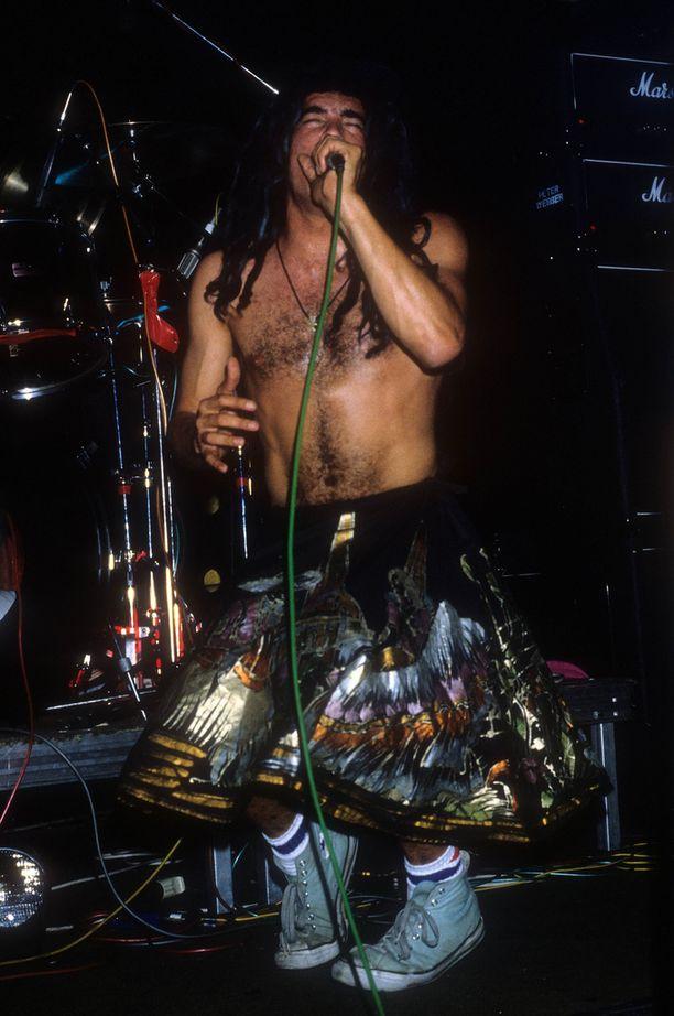Chuck Mosley lavalla Berliinin keikalla vuonna 1988.