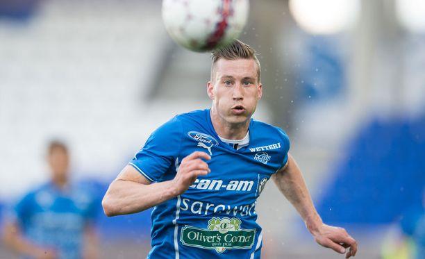 Juha Pirinen ajettiin ulos Lokomotivaa vastaan.
