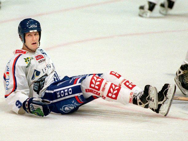 Juha Virtanen pelasi SM-liigassa vuosina 1983–2001.