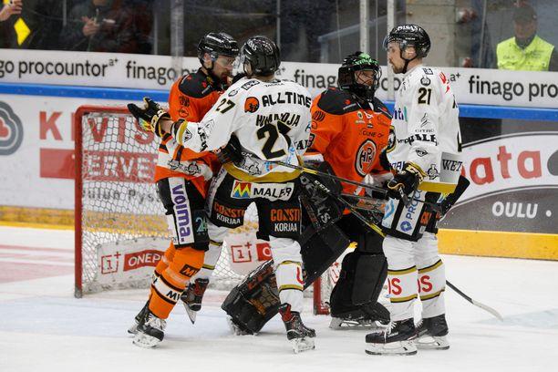 HPK-vahti Emil Larmi sai Kärpät-fanien vihat niskoilleen, kun maali siirtyi kakkoserässä.