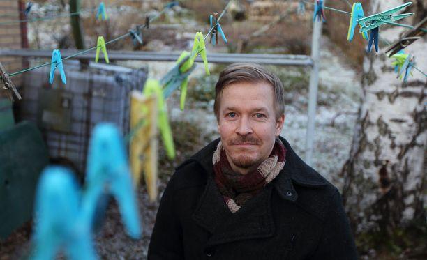 Dokumenttiohjaaja Einari Paakkanen piti lapsena isäänsä supersankarina.