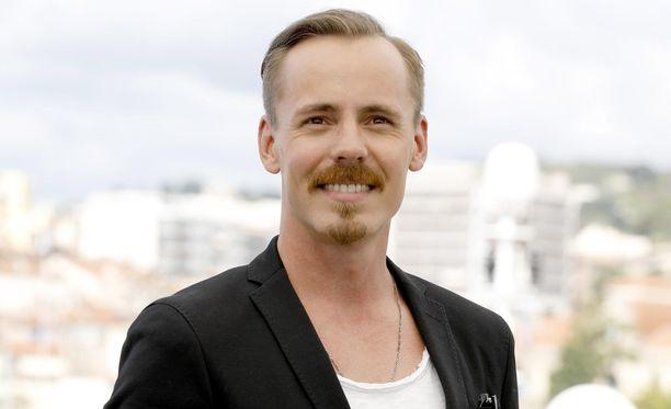 Jasper Pääkkösen tonttikaupasta huhutaan. Mikäli huhut pitävät paikkansa, mies on ostanut 4500 neliön tontin Kotkan edustalta löytyvältä saarelta.