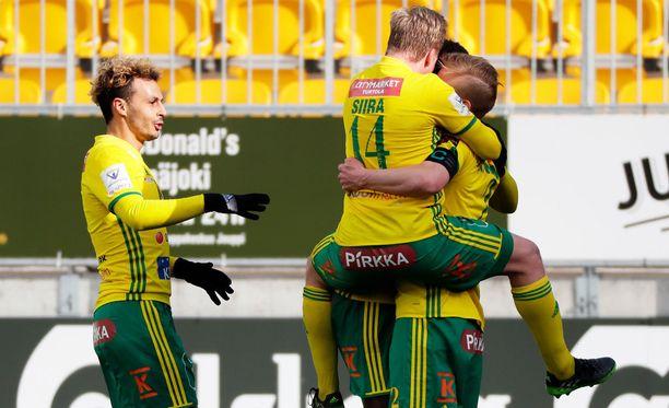 Ilves nousi voitolla vain pisteen päähän Veikkausliigaa johtavasta HJK:sta, vaikka on pelannut yhden ottelun vähemmän.