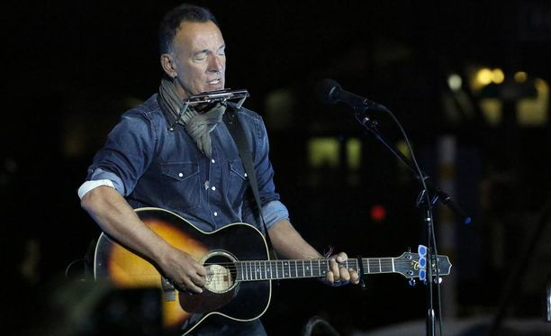 Muiden muassa muusikko Bruce Springsteen saa Yhdysvaltain korkeimman siviileille myönnettävän kunniamerkin ensi viikon tiistaina.