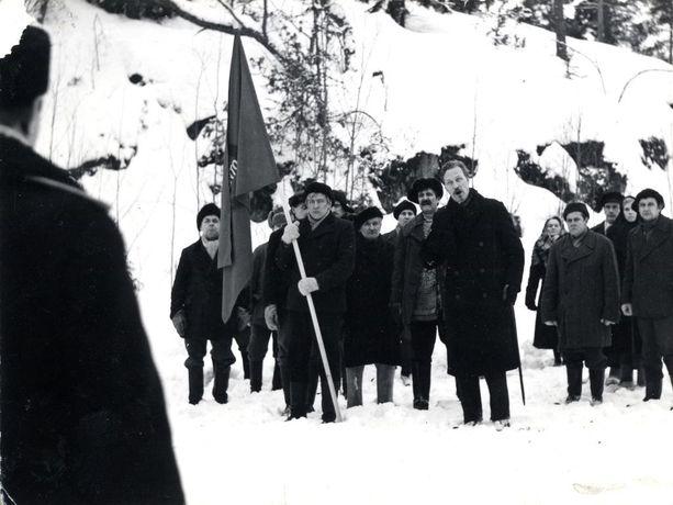 Täällä pohjantähden alla -kirja on muovannut monen käsitystä Suomen sisällissodasta. Edvin Laine ohjasi kirjan pohjalta menestyselokuvan.