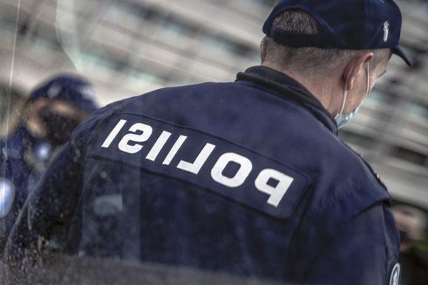 Poliisi tyhjensi baarit Seinäjoella ja Isossakyrössä. Kuvituskuva.