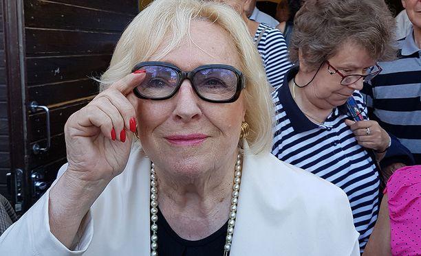 Marjatta Leppänen täyttää ensi kuussa 80 vuotta. Hän vieraili viikonloppuna Vanhan kirjallisuuden päivillä Sastamalassa ja sukuloi samalla.- Toivon tulostinta lahjaksi, Marjatta kertoi.