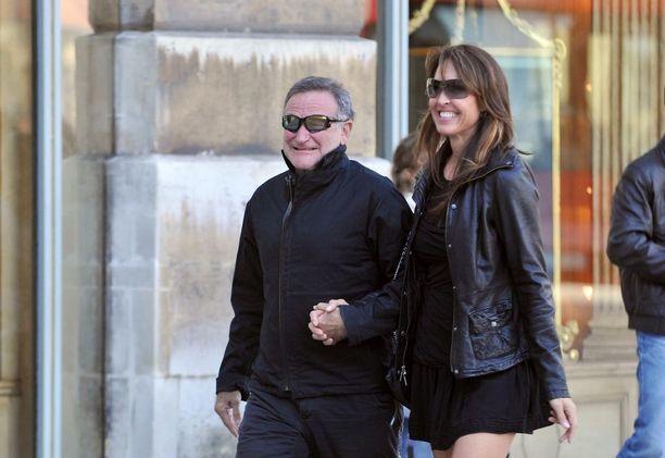 Robin Williams ja Susan Schneider häämatkallaan Pariisissa vuonna 2011.