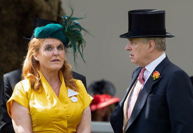 Sarah Ferguson ja prinssi Andrew ovat pysyneet hyvissä väleissä eronsa jälkeen.