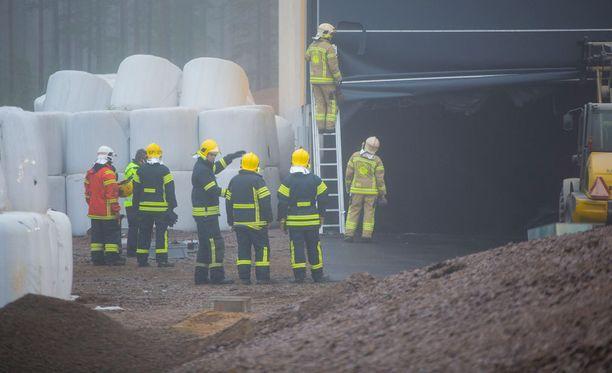 Haminan Energian biokaasulaitoksen raaka-ainevarastossa oli alkava tulipalo.