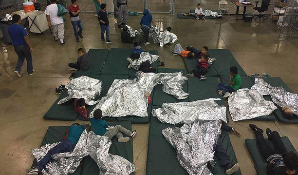 Tämä kuva on otettu Texasin säilöönottokeskuksessa.