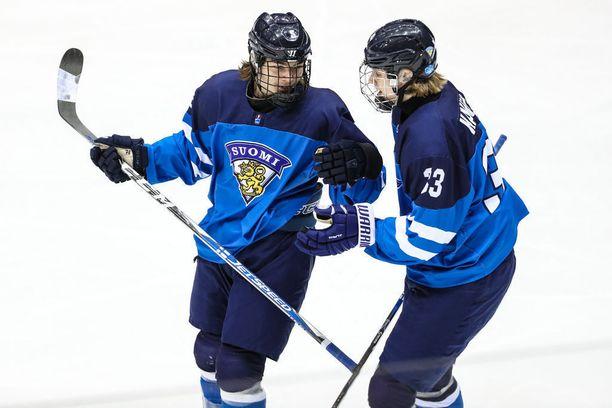 Niklas Nordgren ja Kaapo Kakko olivat Suomen tehomiehiä MM-turnauksessa.