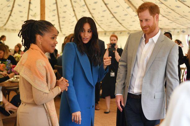 Kuvassa Doria tyttärensä Meghanin ja tämän puolison prinssi Harruyn kanssa syyskuussa.