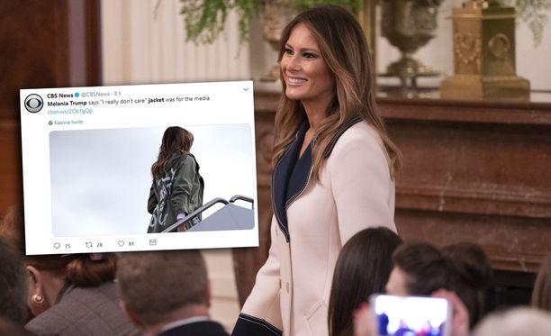 Melania Trumpin takkivalintaa pidettiin Yhdysvalloissa tunteettomana.